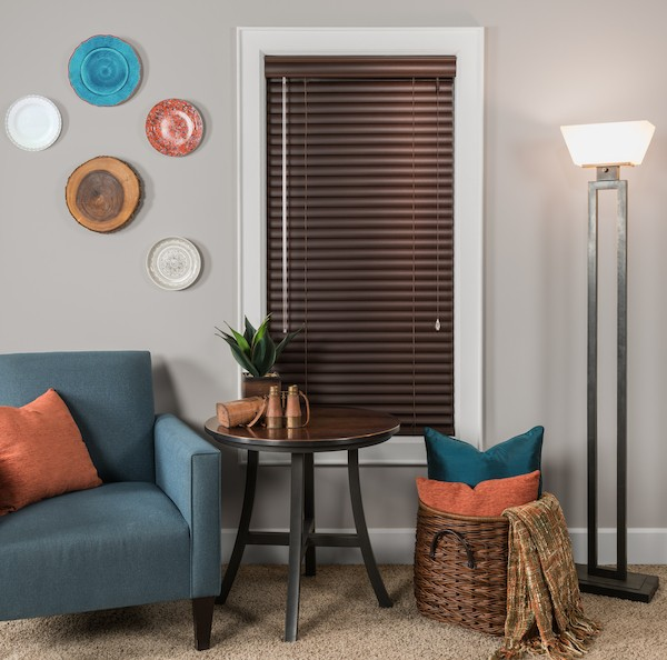 2015_MPM_Standard-Cordlock_Aluminum-Blinds_Living-Room