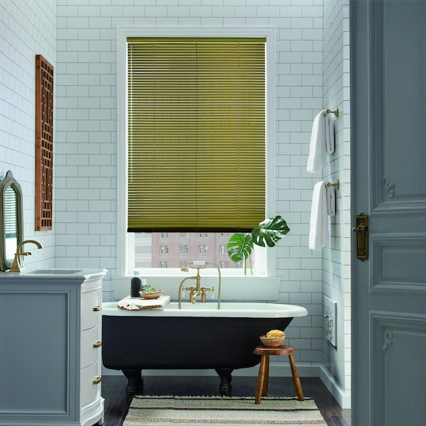 2017_MPM_SL_Aluminum-Blinds_Bathroom