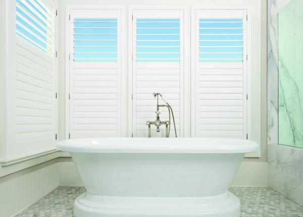 2017_PB_StandardPanels_Bathroom_Bath_Split-Tilt