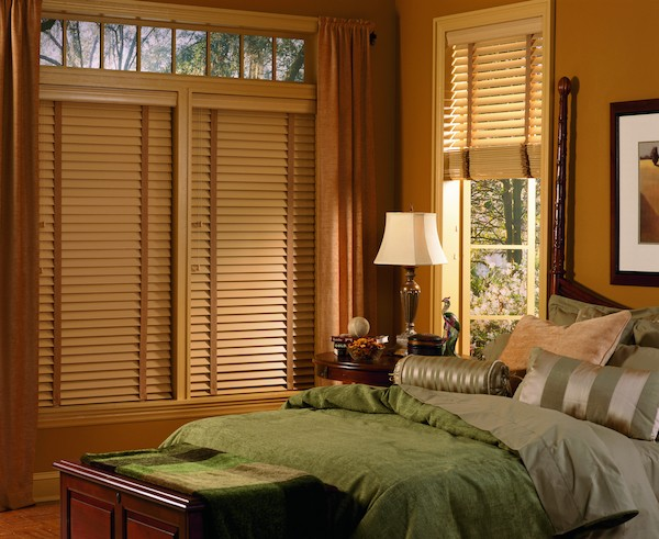 2005_EW_Standard-Cordlock_Faux-Wood_Bedroom