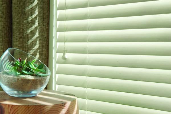 2012_EW_Standard-Cordlock_Faux-Wood_Fabric-Detail